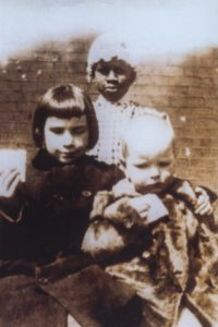 Susannah Frances and Henry Anderson Bowie at Grassland, when they were young, with a Negro maid.